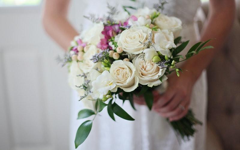 choisir lancé bouquet de mariée